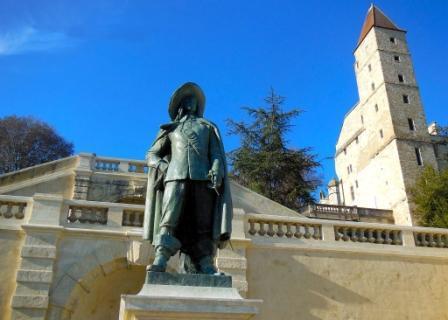 La estatua de D'Artagnan en Lupiac (Collection Tourisme Gers)