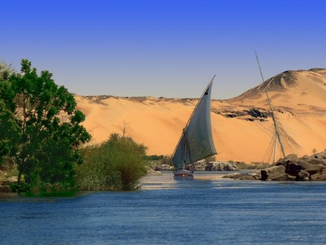 Nilo en faluca Descubrir Tours