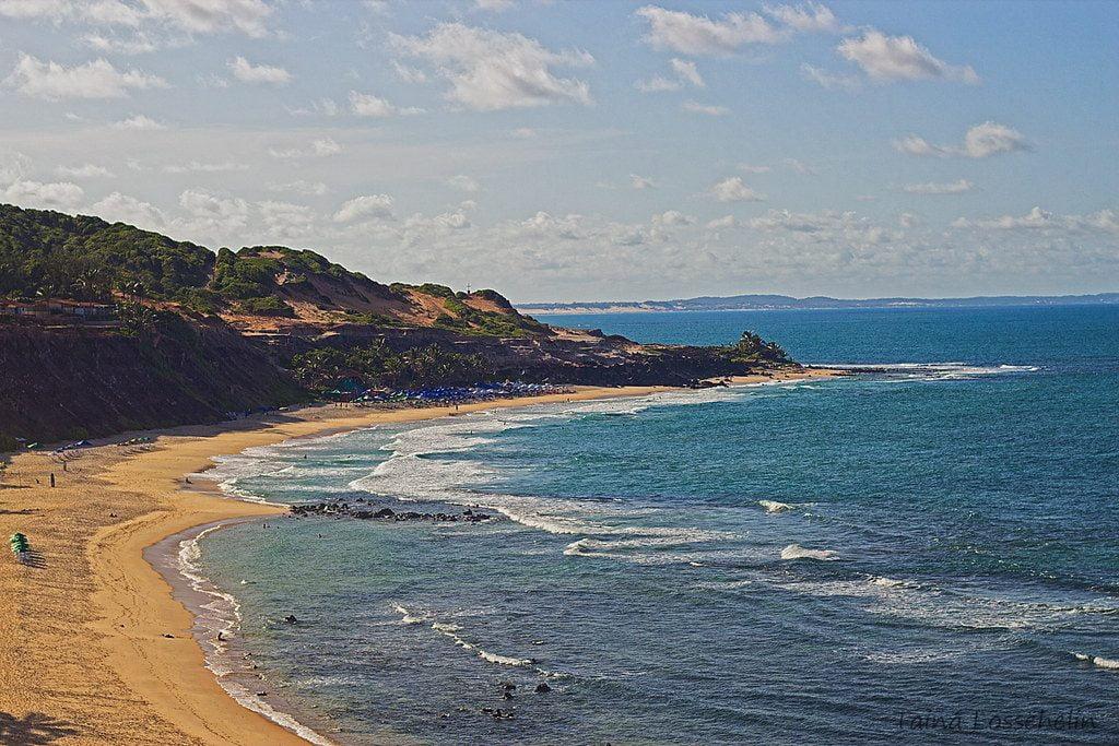 Alquilando un vehículo podemos ir a Pipa, 90 kms de Natal
