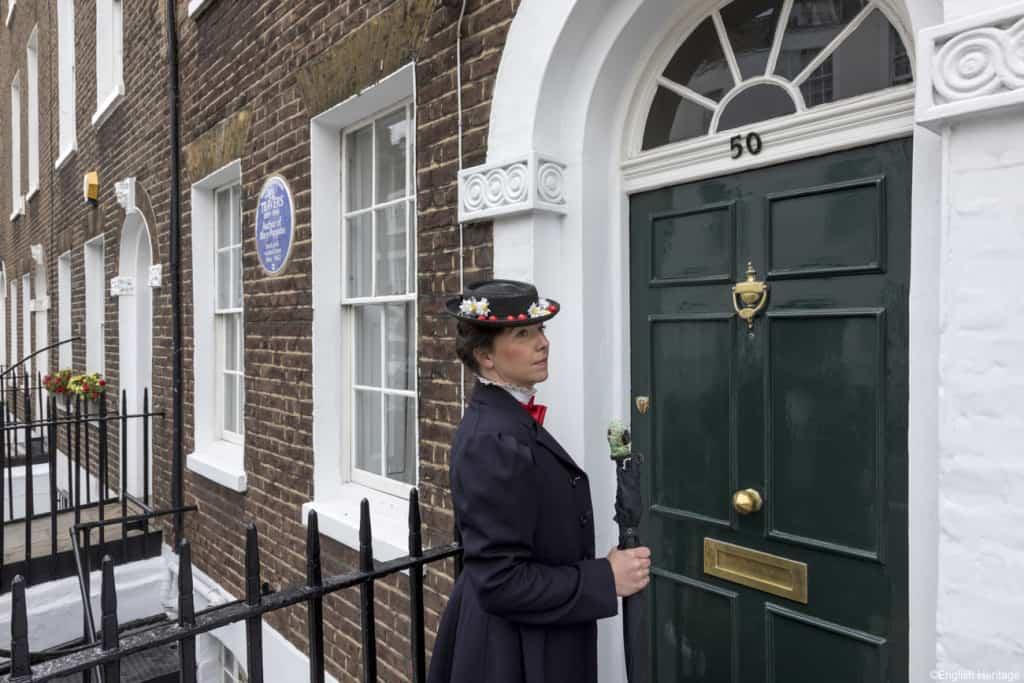 El número 50 de la Smith Street, en Chelsea, luce la English Heritage Blue Plaque